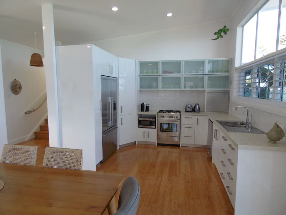 Large fully equipped kitchen with ice maker and Nespresso coffee machine