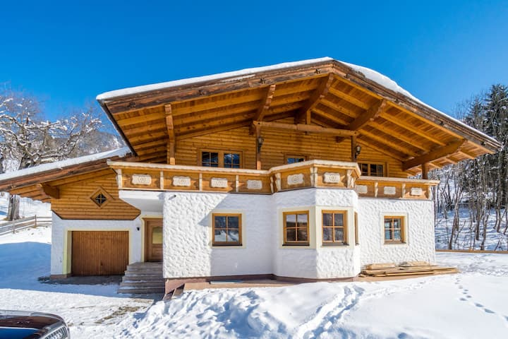 Luxurious Holiday Home in Rauris near Cross-country Skiing