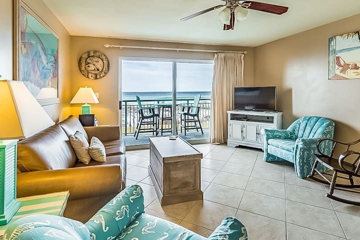 2nd Floor Updated Condo w/ Gulf Front Views, Steps To Shopping & Dining