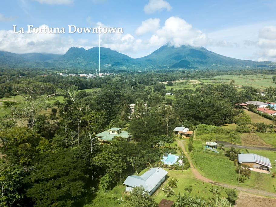 Great location just 1 mile from downtown La Fortuna