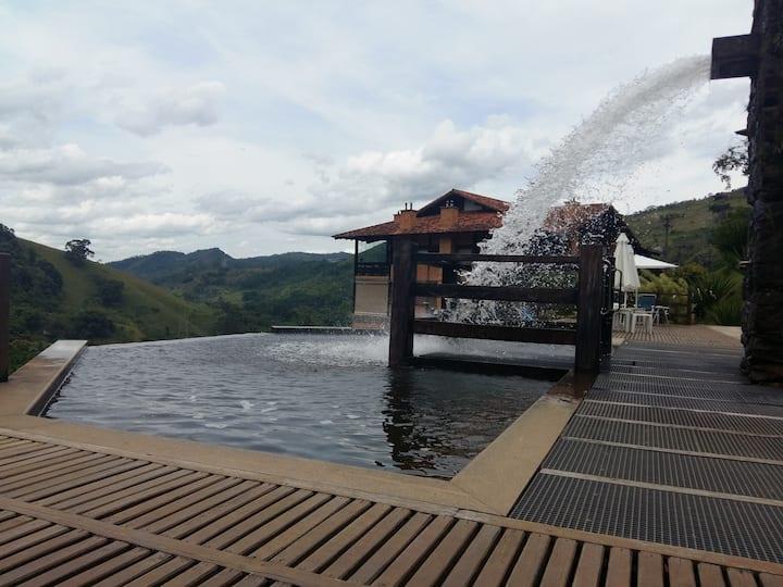 Cobertura-Itaipava-Secretário-cachoeira-montanhas