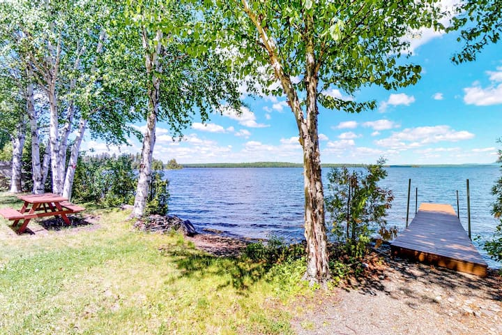 Dog-friendly, waterfront home w/ full kitchen & private dock
