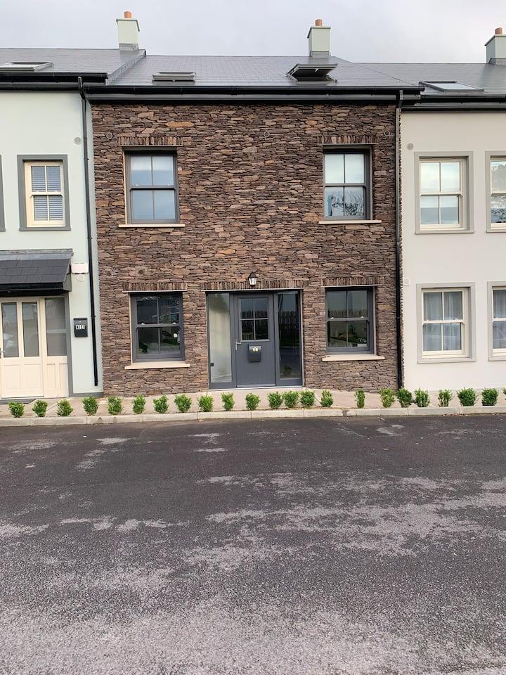 Blasket Stone Apartment 37 Fairfield Close, Dingle