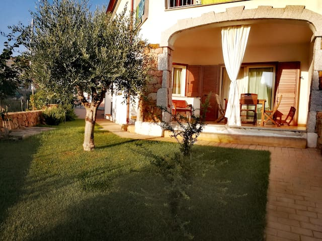 New and sunny apartment with private garden