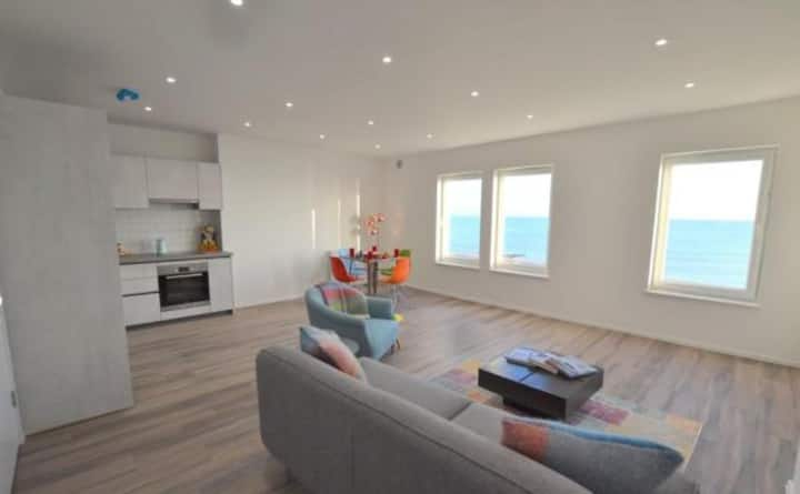Seaside Apartment, Hythe, Kent Coast