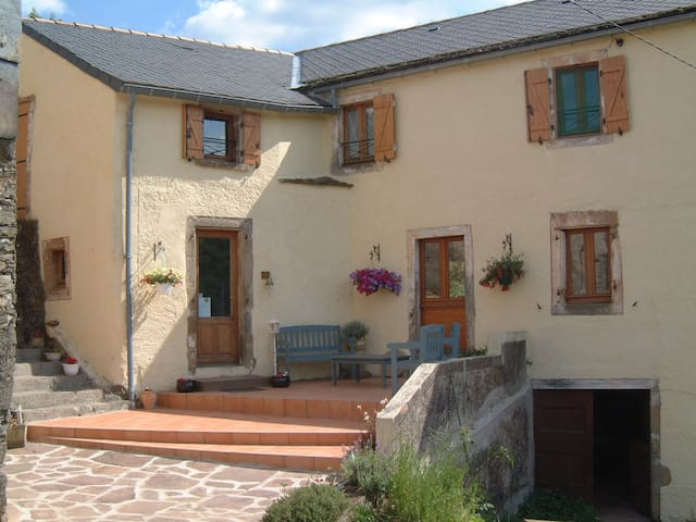 Le Gouty - Pousthomy - Bed & Breakfast