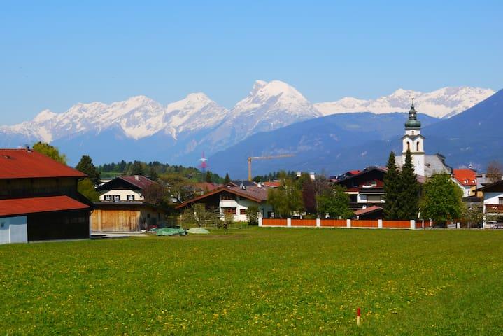 Quiet flat in Götzens, 10min from Innsbruck - Götzens - Apartment