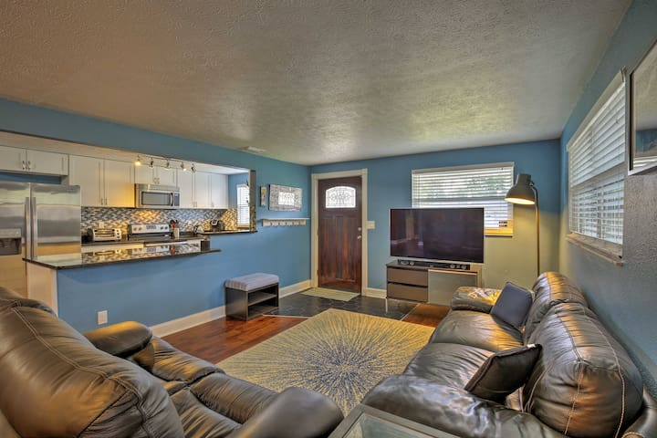 Tampa Home Near Downtown-24 Mi to Clearwater Beach