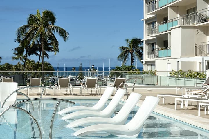 @ Marbella Lane - Executive Suite | Steps to Beach