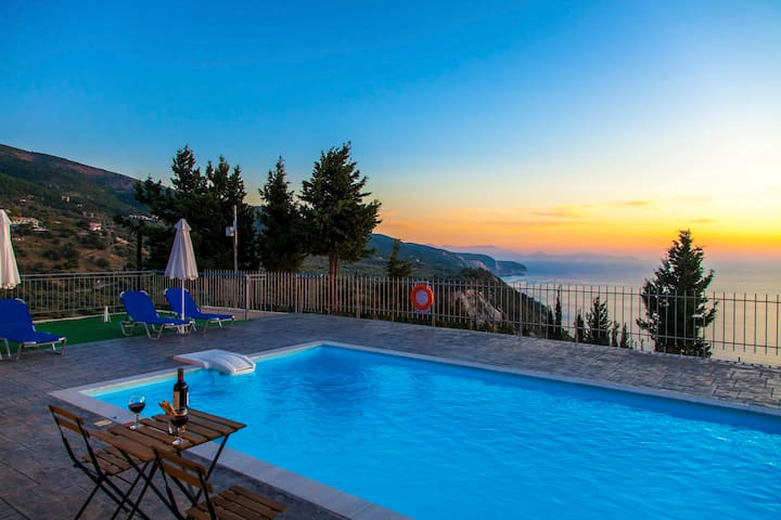 Ble On Blue Villa With Amazing View & Pool