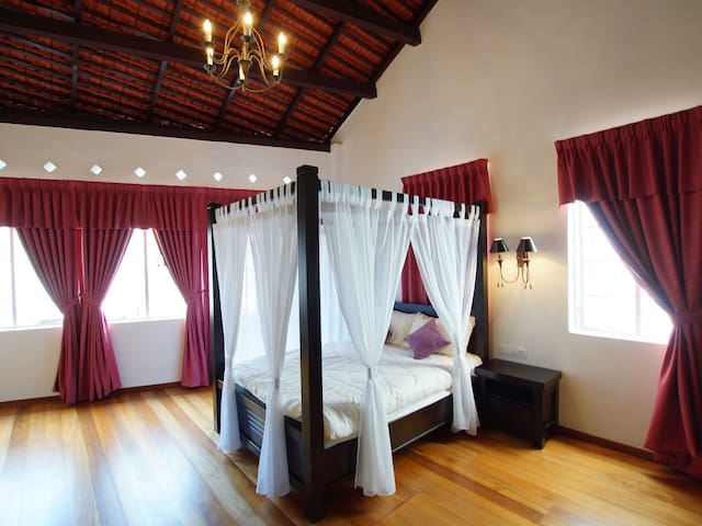 Deluxe Suite @}~ - George Town - House