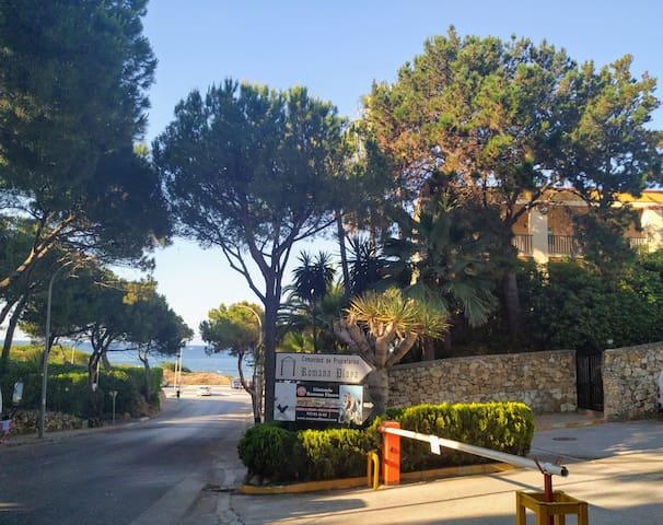 Rentromana Playa, WiFi y Parking Elviria/Marbella.