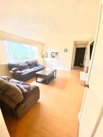 Clean, Budget Friendly 1 Bed/1 Bath apartment