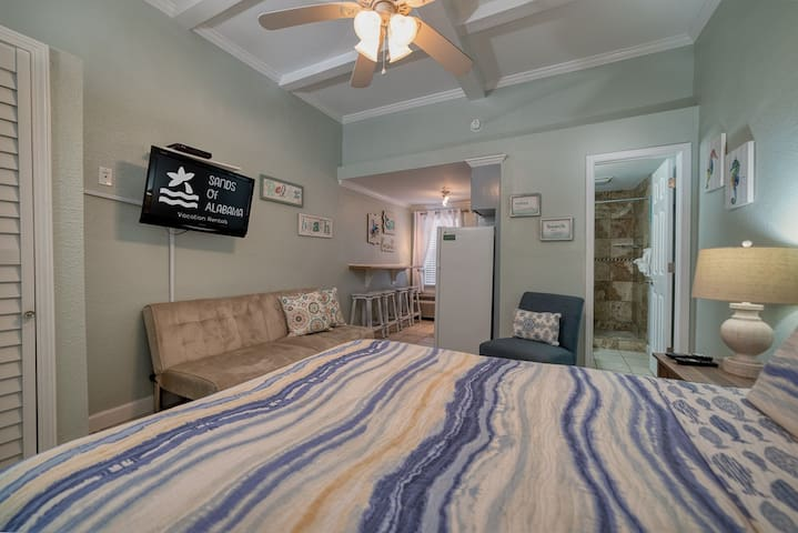 Beachview  327 Close to The Hangout in the Heart of Gulf Shores!