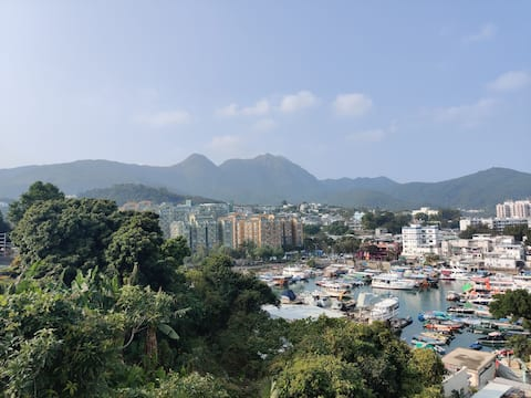 Walk to Sai Kung town, rooftop BBQ, great view