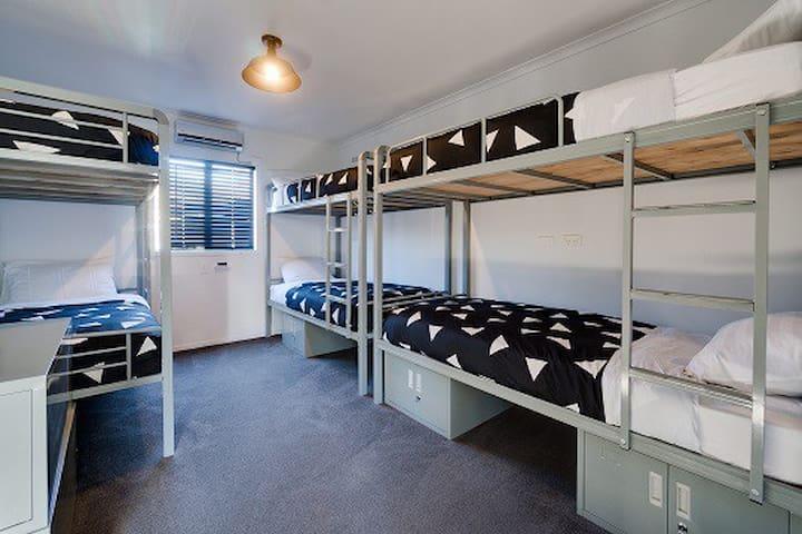 One Bed in 6 Bed Mixed Dorm - INNBetween