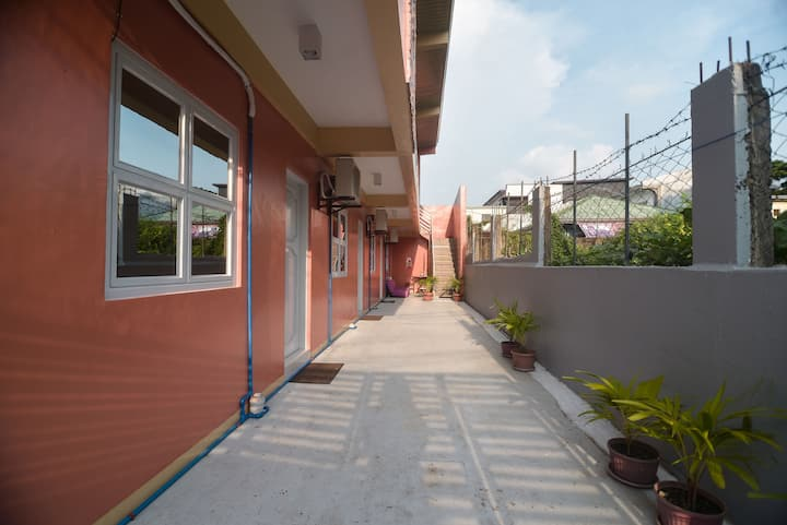 ANYAYAHAN Apartment: near SM/5 more  units avail