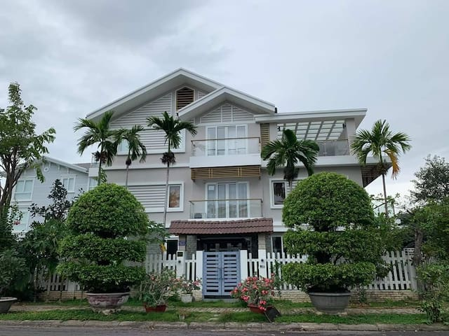 Spacious & Strong AC Villa w/ Amazing View + Pool