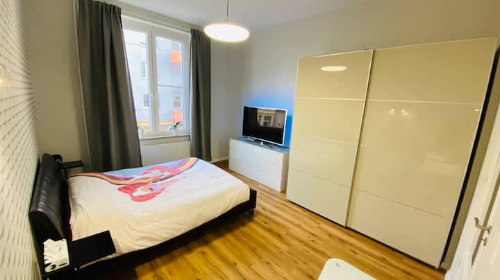 Zentral gelegenes und modernes 20m²-Zimmer