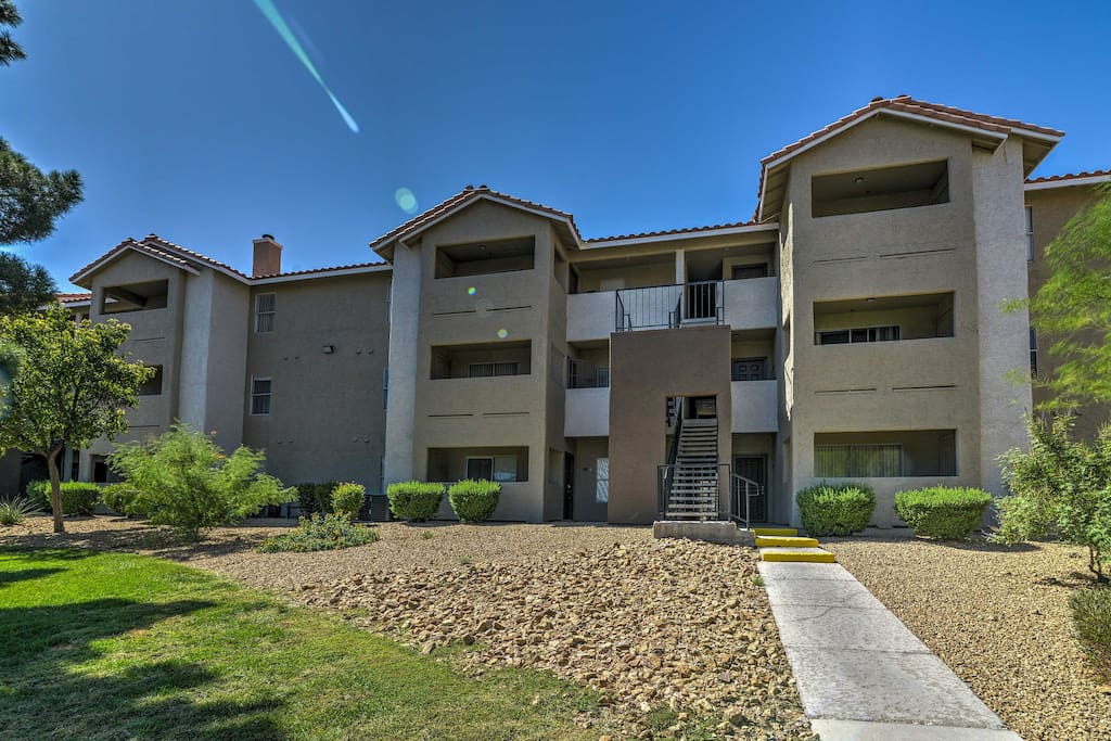 This gated community is the perfect place to experience all that the city has to offer.