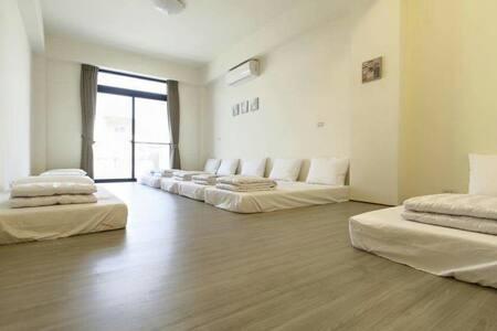 8人家庭團體套房含獨立陽台 - 東港鎮