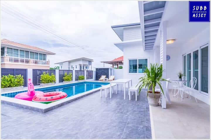 Big Space PoolVilla for 10 Persons   Huahin