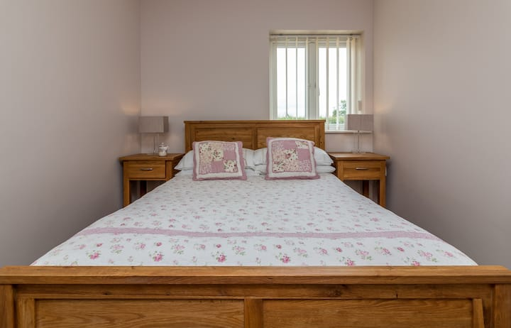 Buttercross Cottage Harleys Court Self catering