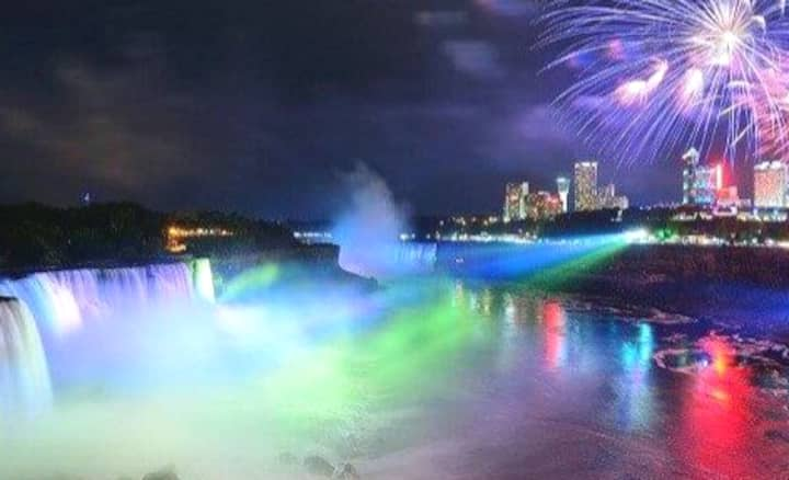 5 Min to Niagara Falls Little Italy Great Location