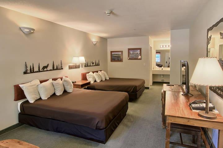 Guestroom @ Legend Inn Summit Village Shanty Creek