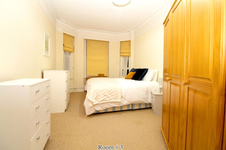 Nice En-suite West Kensignton Room