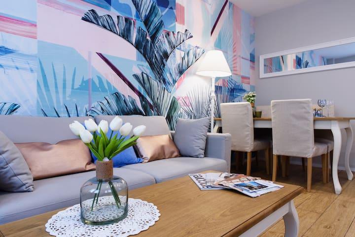 Lora Luxury House