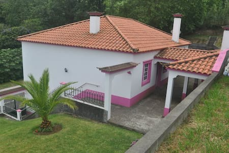 Extraordinary 3 bedroom house in a Serene Setting - Bretanha