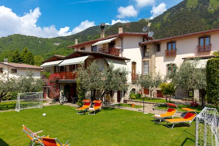 VILLA MARIAROSA. A holiday close to Lake Garda.