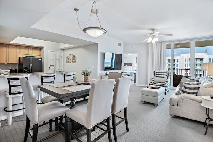 NEW! Palms of Destin~11th Floor~Pool & Gulf Views!
