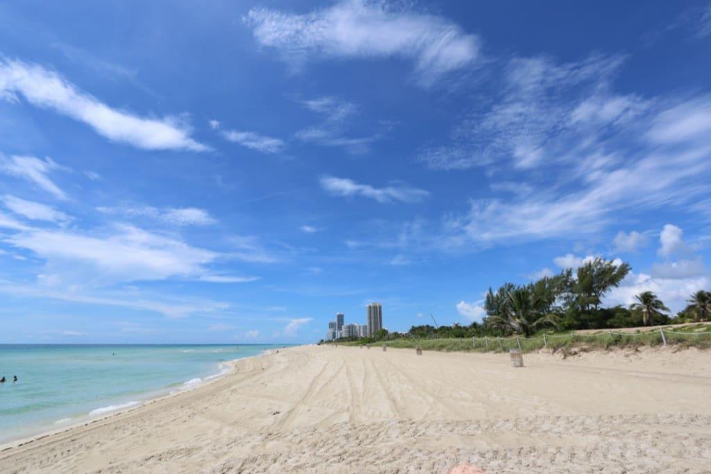 BEACH - 5 minutes walk