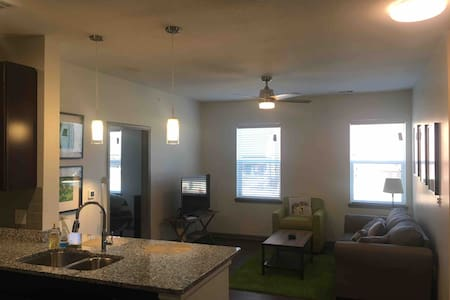 Visiting Frankfort? Stay in this 2-Bed 2-Bath Apt