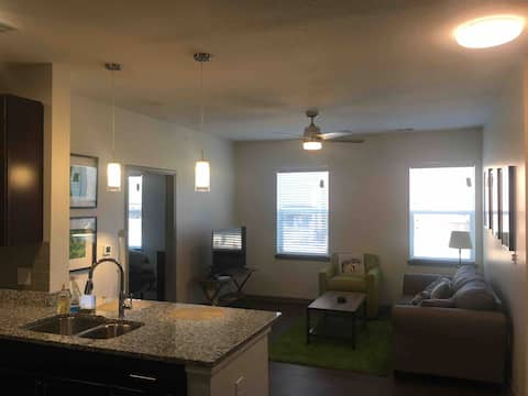 Frankfort New Spacious 2-bed 2-bath Apartment