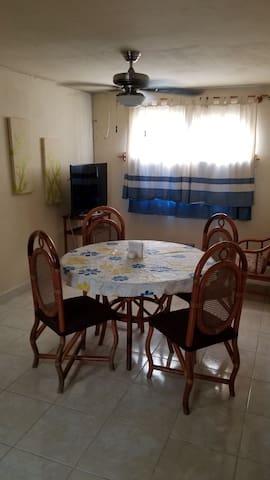 MAR's Apartment. Centric and near the beach!