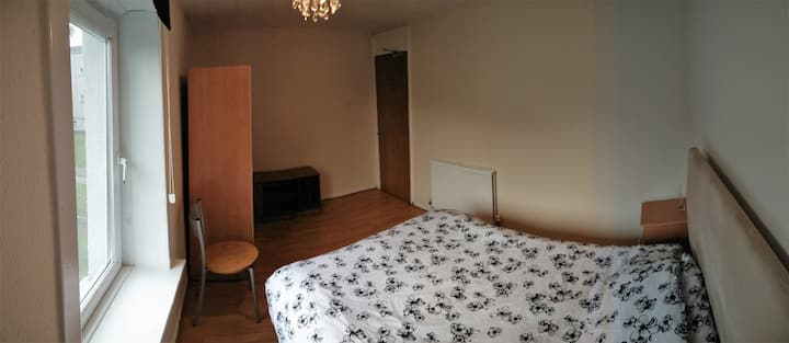 Beautiful Room in City Centre.. COOLEST LOCATION!