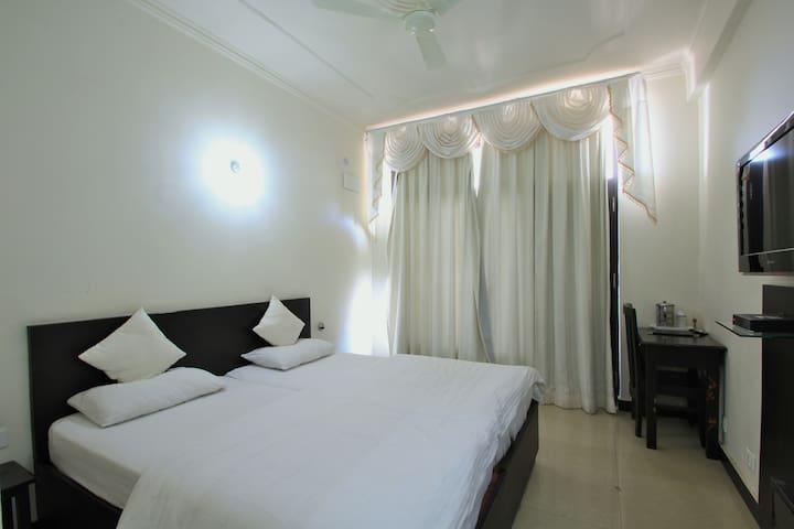 Hotel shivalik - Deluxe rooms - Almora - ที่พักพร้อมอาหารเช้า