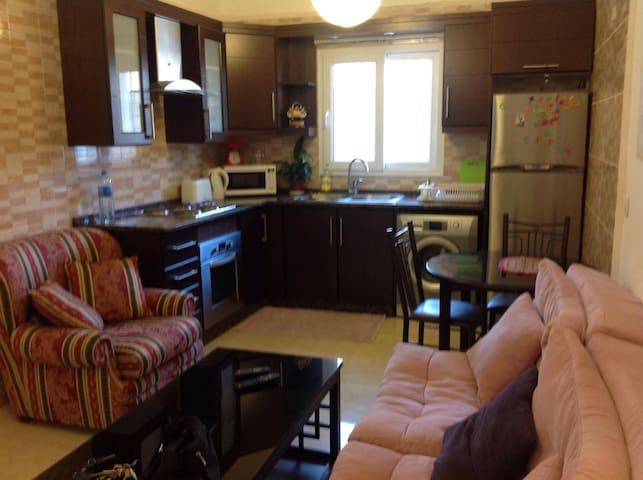 Cozy fully loaded 2BR Apartment 2nd circle