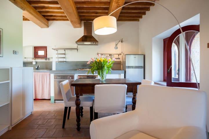 Sala pranzo e cucina