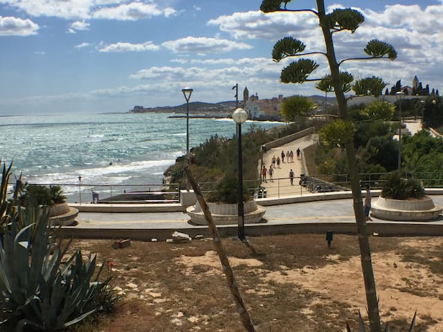 Luxury Seafront room in Casa Balmins Sitges - Sitges - Bed & Breakfast