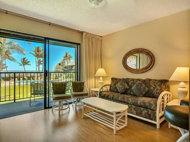 Homey Suite w/Pool+Ocean View! Open Kitchen, Lanai, Flat Screen–Molokai Shores 227