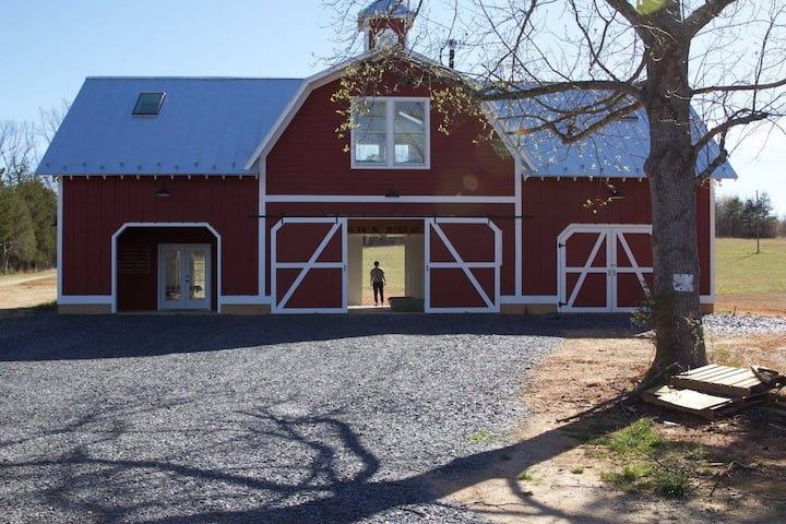 2 BR, 2 BA Unique Space Above Barn on Working Farm