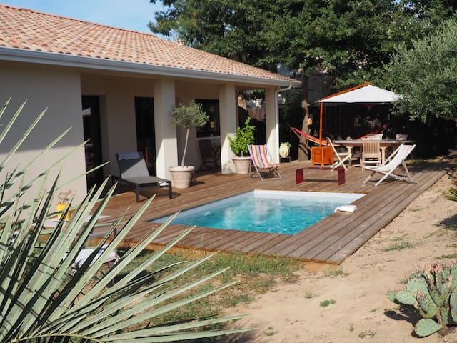 House 2 bedrooms 300 m from the Bassin d'Arcachon