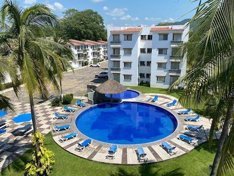 Cosy 'Pied a Terre' in Manzanillo. Location 10 !