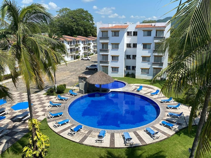 Cosy 'Pied a Terre' in Manzanillo. Location 10 !
