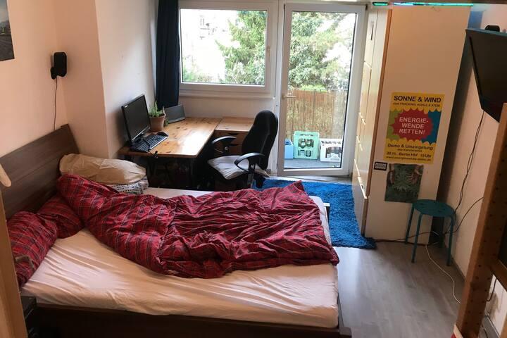 Gemütliches, ruhiges Zimmer in belebter Umgebung
