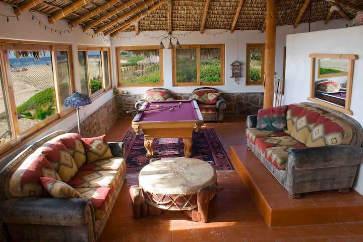 Main House @ Dr. Robert's Ocean Oasis